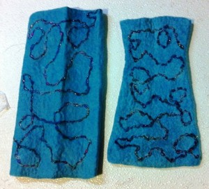 fingerless mitt blue 1