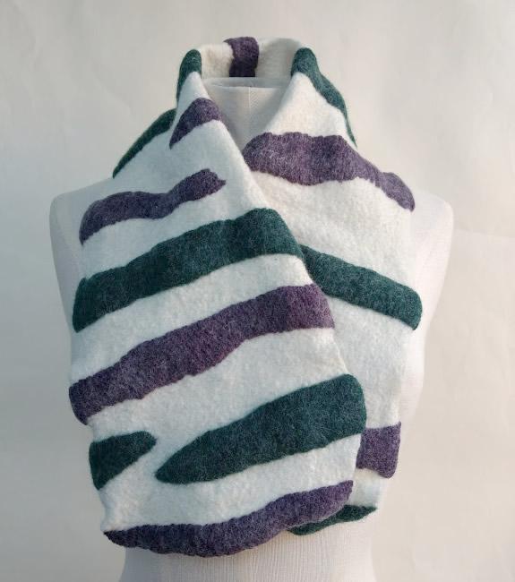 flextiles felt suffragette neckpiece